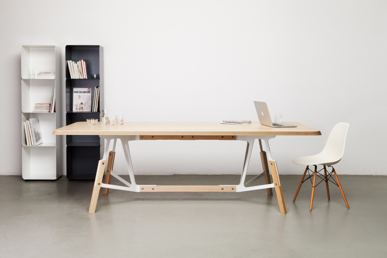 Quodes Stammtisch table