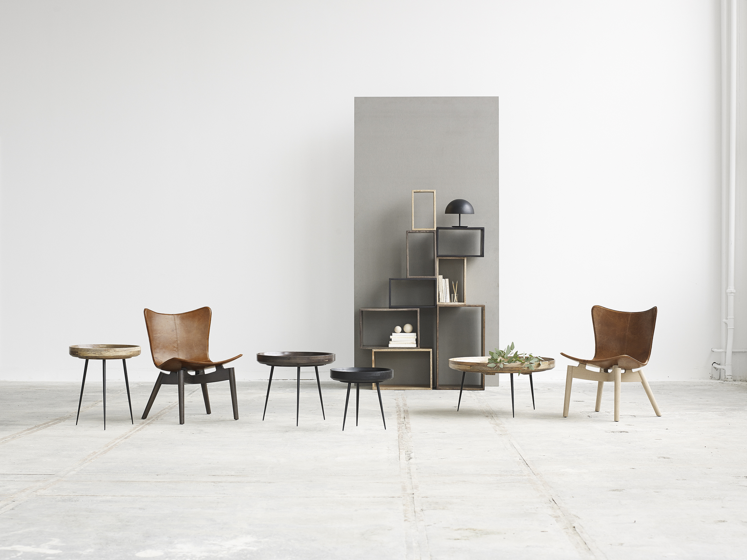 Mater Design Bowl Tables and Shell Lounge chair