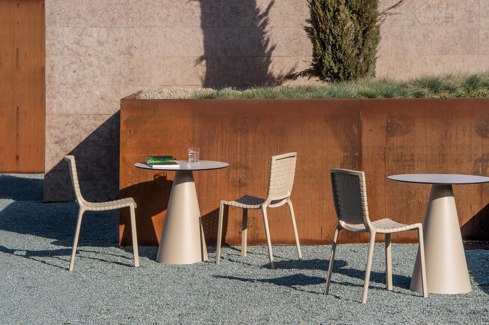 Pedrali Tatami chair with Pedrali Ikon table
