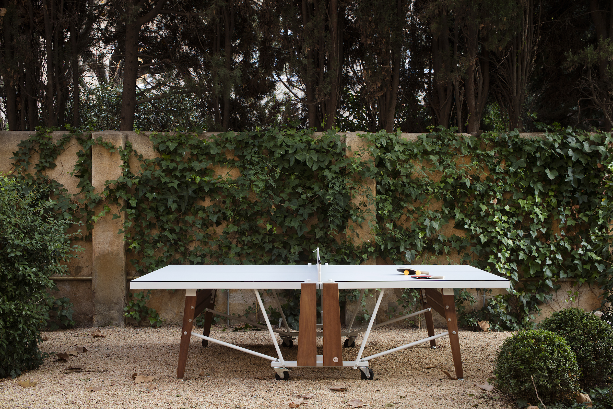 Folding Ping Pong table by RS Barcelona