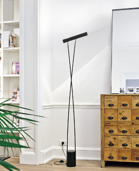 LEO floor lamp by Estiluz