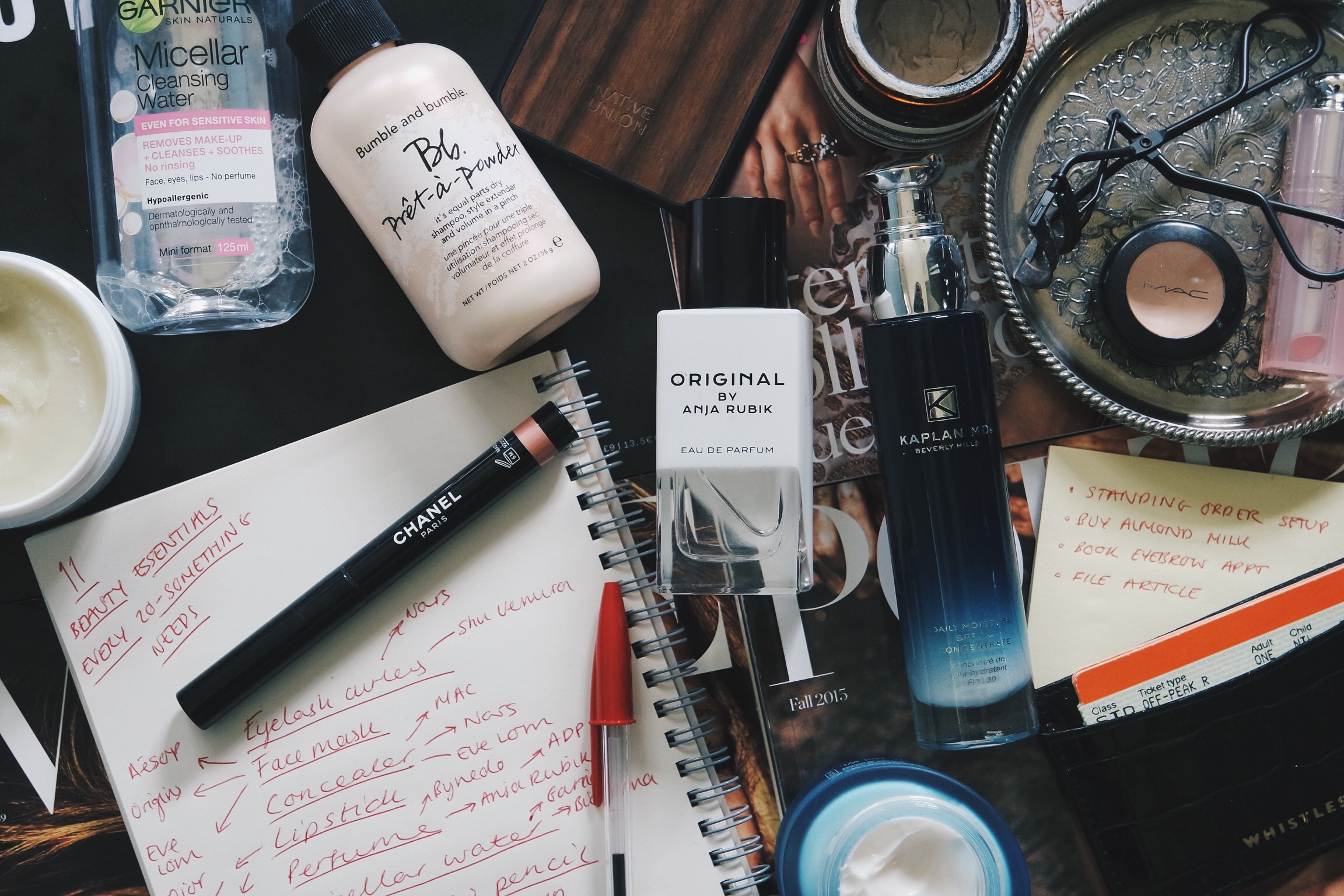 """THATGRACEGIRL """" 11 BEAUTY PRODUCTS EVERY 20-SOMETHING SHOULD OWN"""