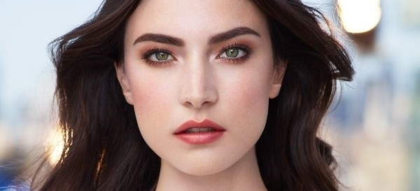 Clarins-Makeup-Collection-for-Autumn-2015-day-look.jpg