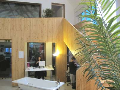 Bathtub in the office - why not?
