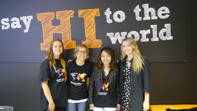 Kisty (my blogging exchange partner from Singapore) with the HI team in London