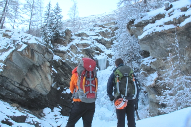 Ice climbing Cogne