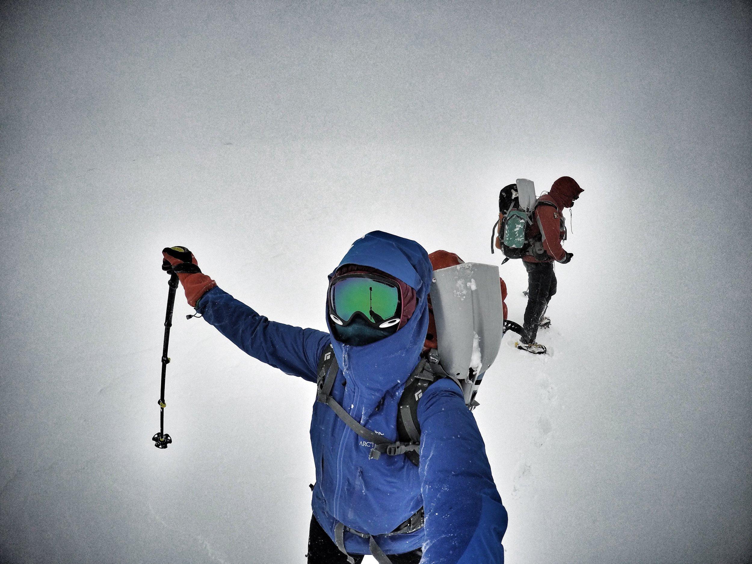 building a snow cave, scotland, cairngorms sophie radcliffe  adventure