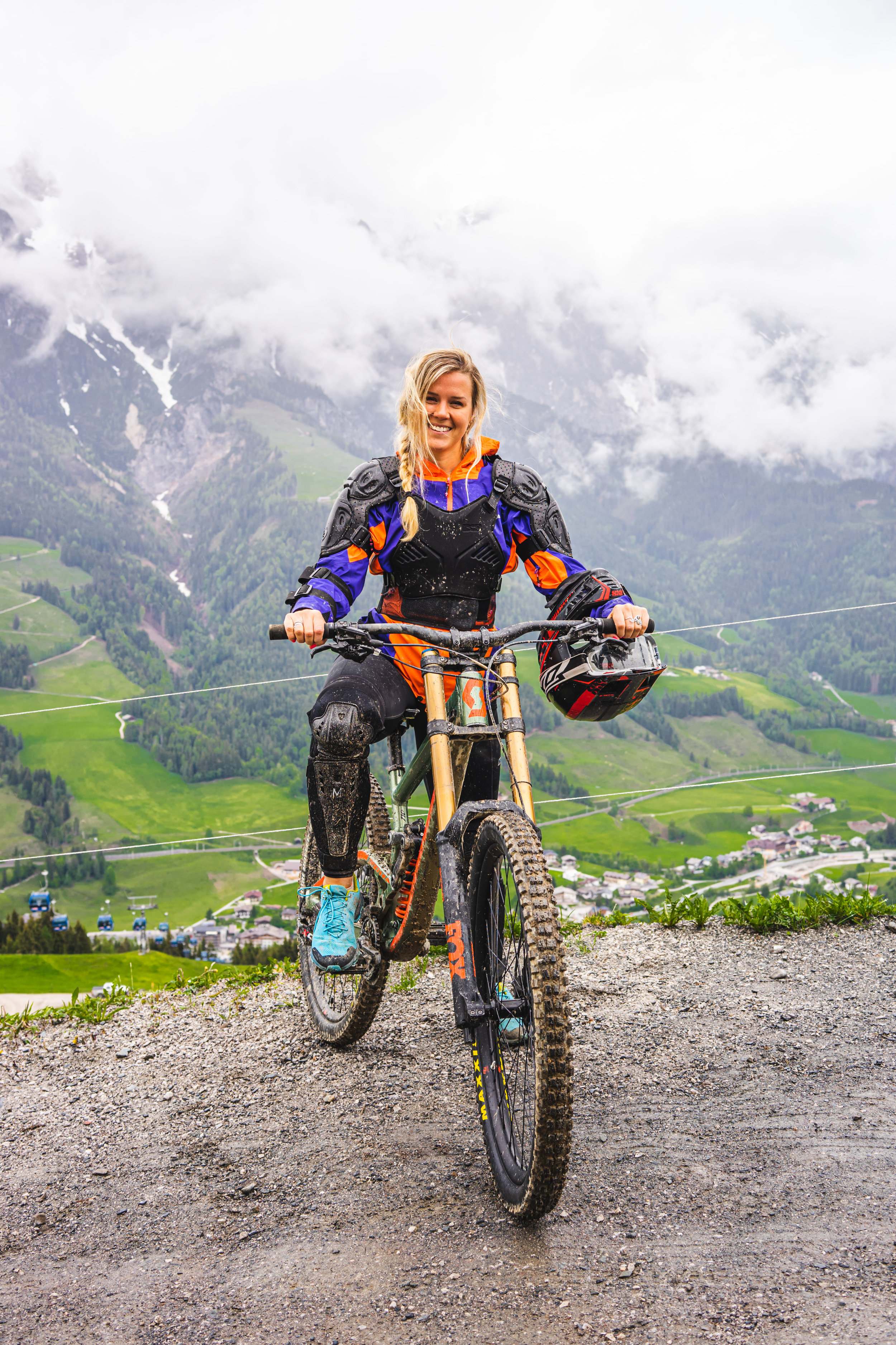 Learning to Downhill mountain bike, Leogang, Austria