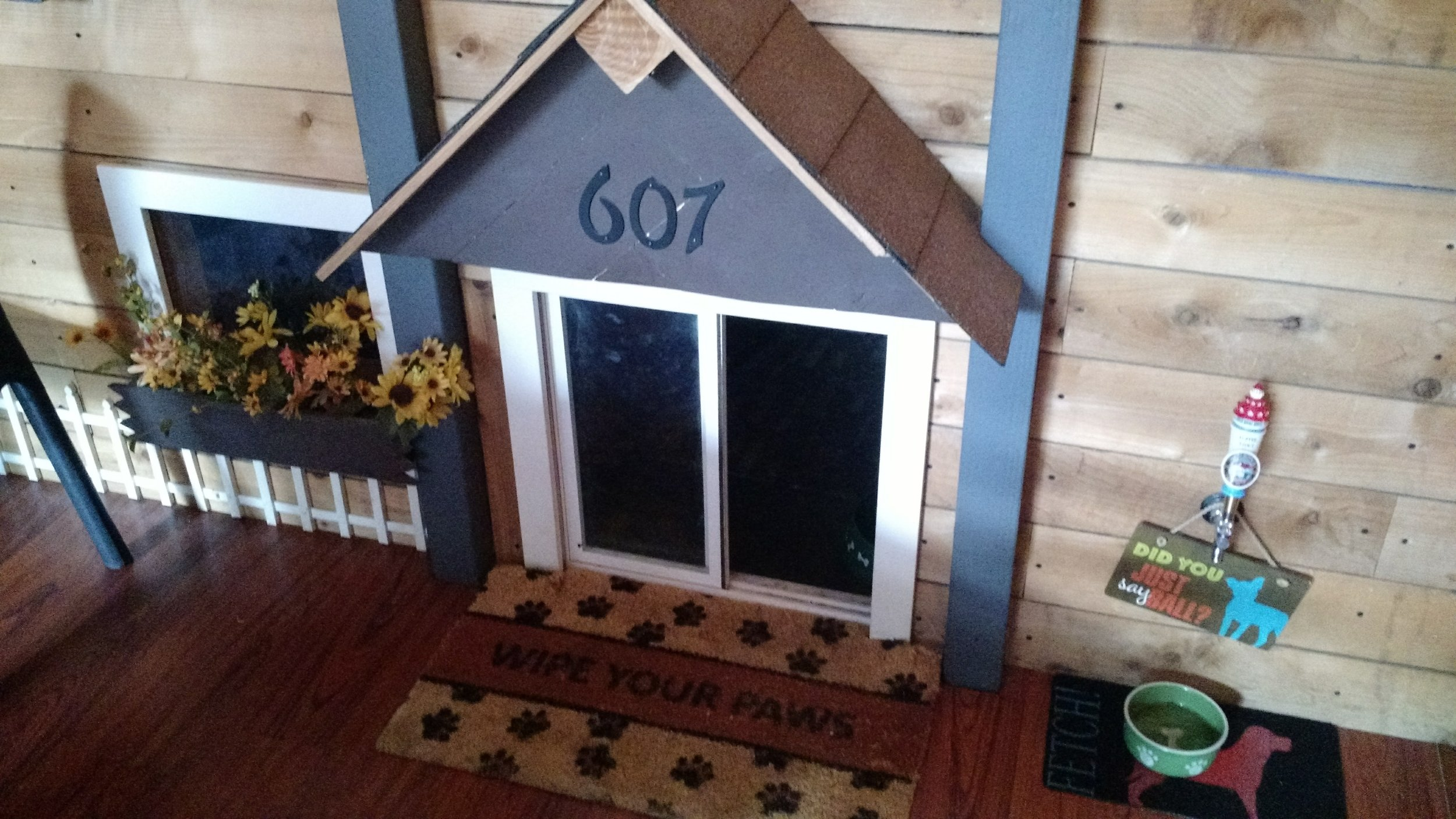 This is the tiny dog house inside Middleton. This is actually an old photo so I don't think it still looks like this