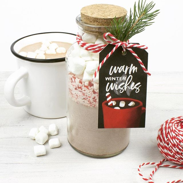 Thinking about hot cocoa on this cold, snowy weekend! I'll stay inside where it's warm and cozy! Cute cocoa jars make fun homemade gifts. Jar from @hobbylobby tags from #devondesignco