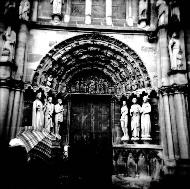 H5-1 Church Door, Trier88.jpg