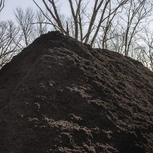 Nebraska Blend Chocolate Mulch - $36 per cubic yardOur Nebraska blend is made from Nebraska wood ground right here in Nebraska.100% Organic made from locally sourced Nebraska wood. Chocolate brown color added.