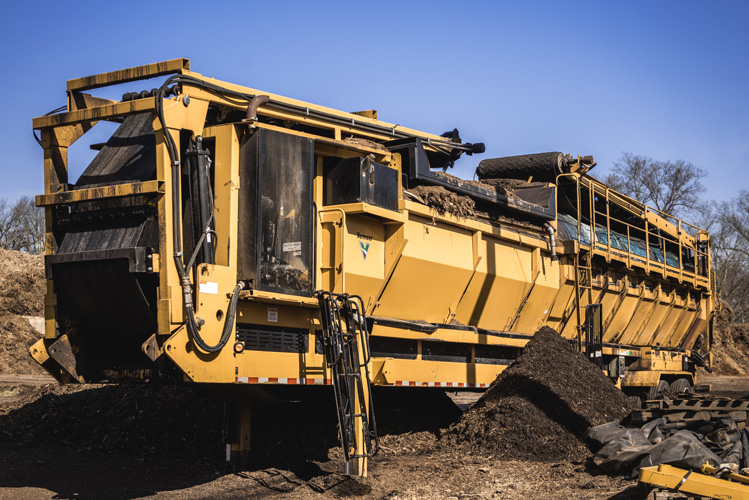 Dirt & Top Soil Screening - We perform on-site screening anywhere in the Midwest. Our screeners remove rocks, root balls, and other contaminants.