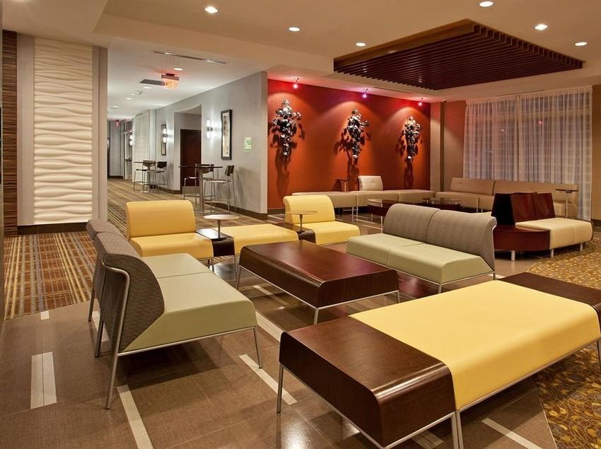 hotel-holiday-inn-detroit-metro-airport-romulus-006.jpg