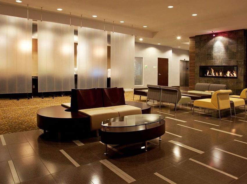 hotel-holiday-inn-detroit-metro-airport-romulus-013 (1).jpg