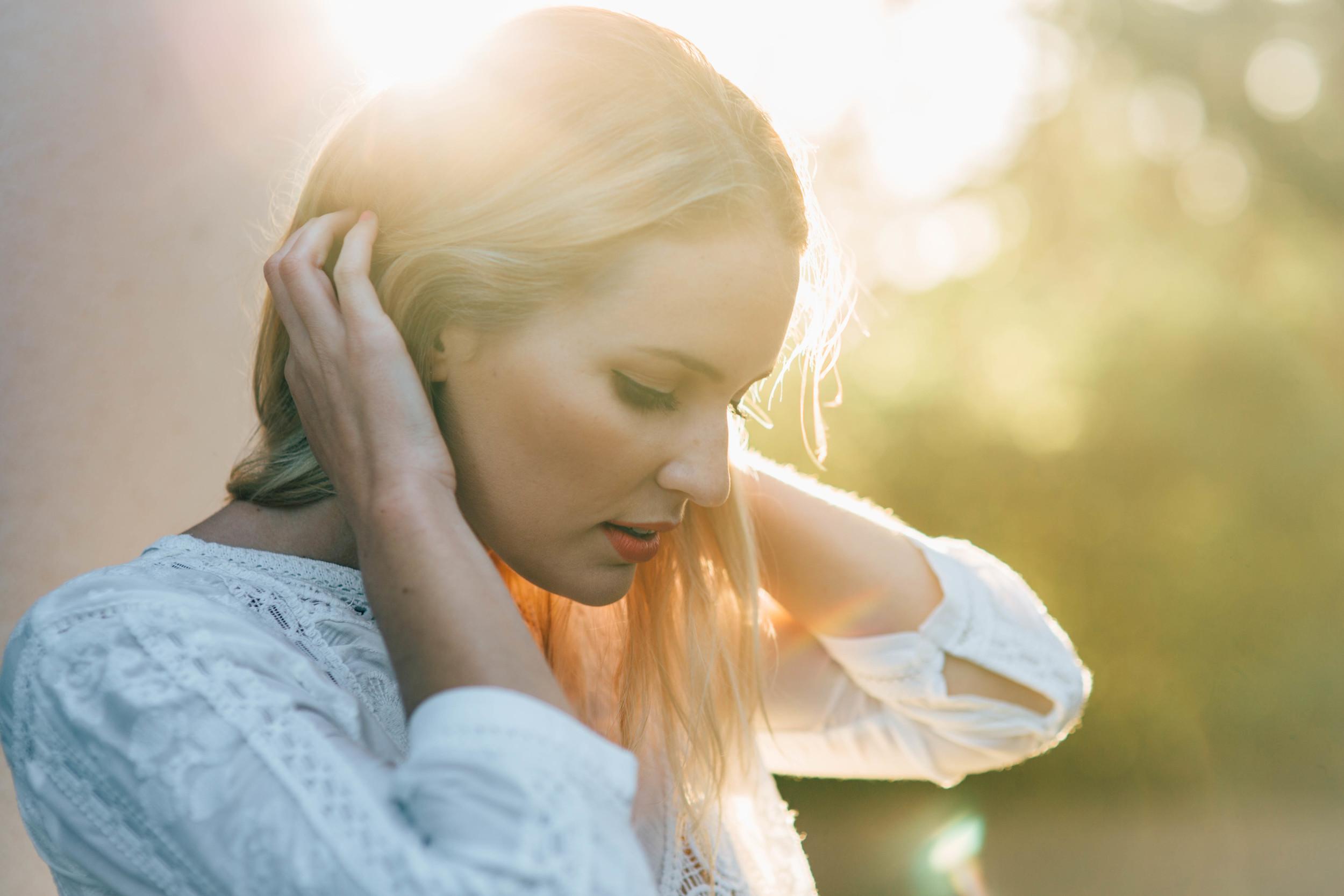 Model,  Lauren Ryan