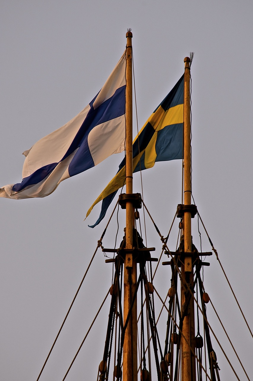 Kalmar Nyckel Mast Flags