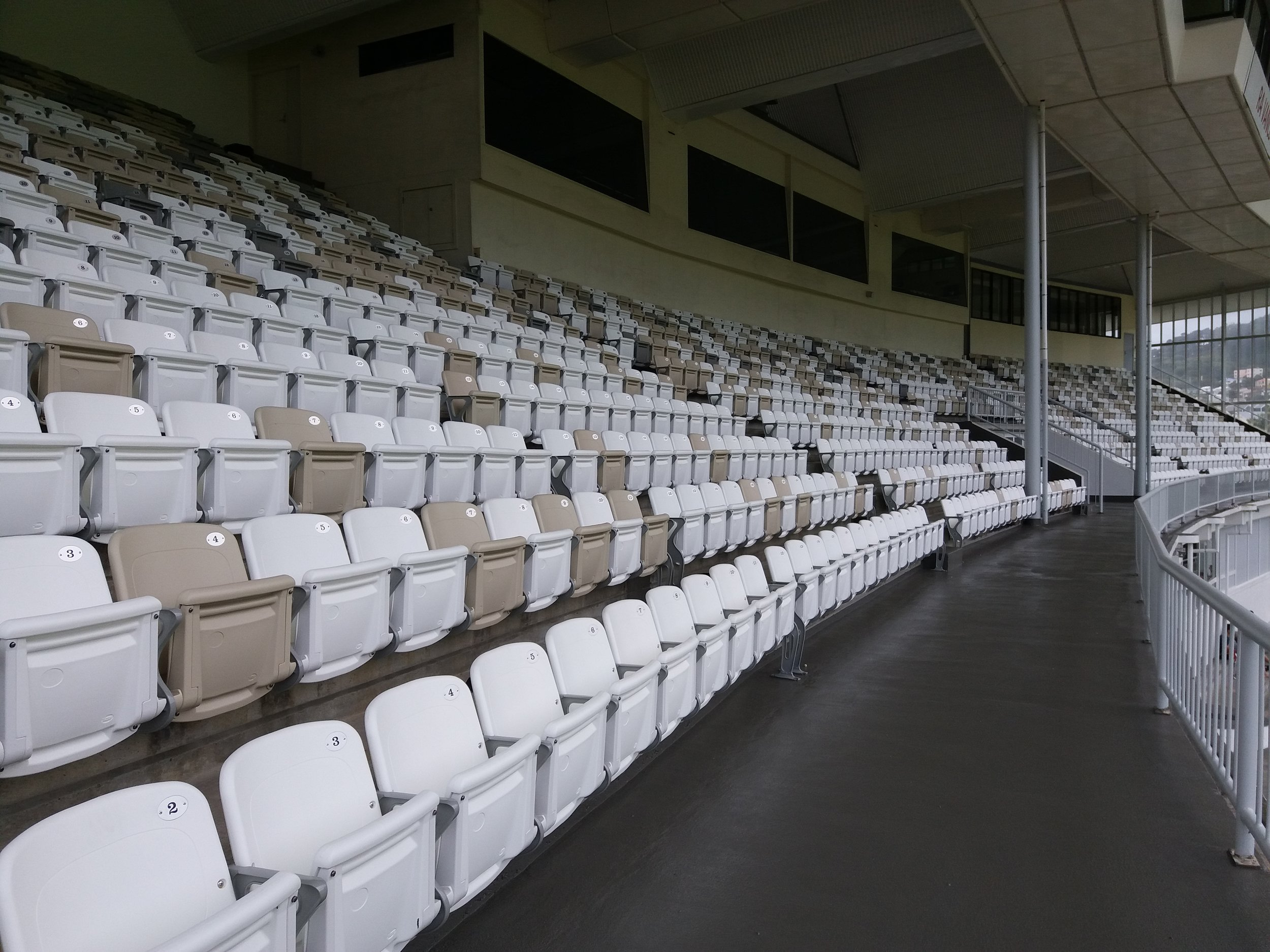 RA VANCE STAND AT BASIN RESERVE - NEW ZEALAND