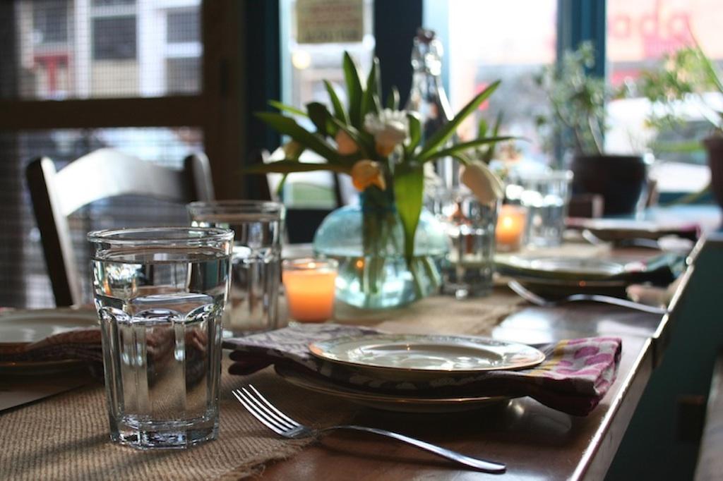 dinnerparty3.jpg
