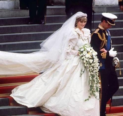 princess-diana-wedding-gown1.jpg