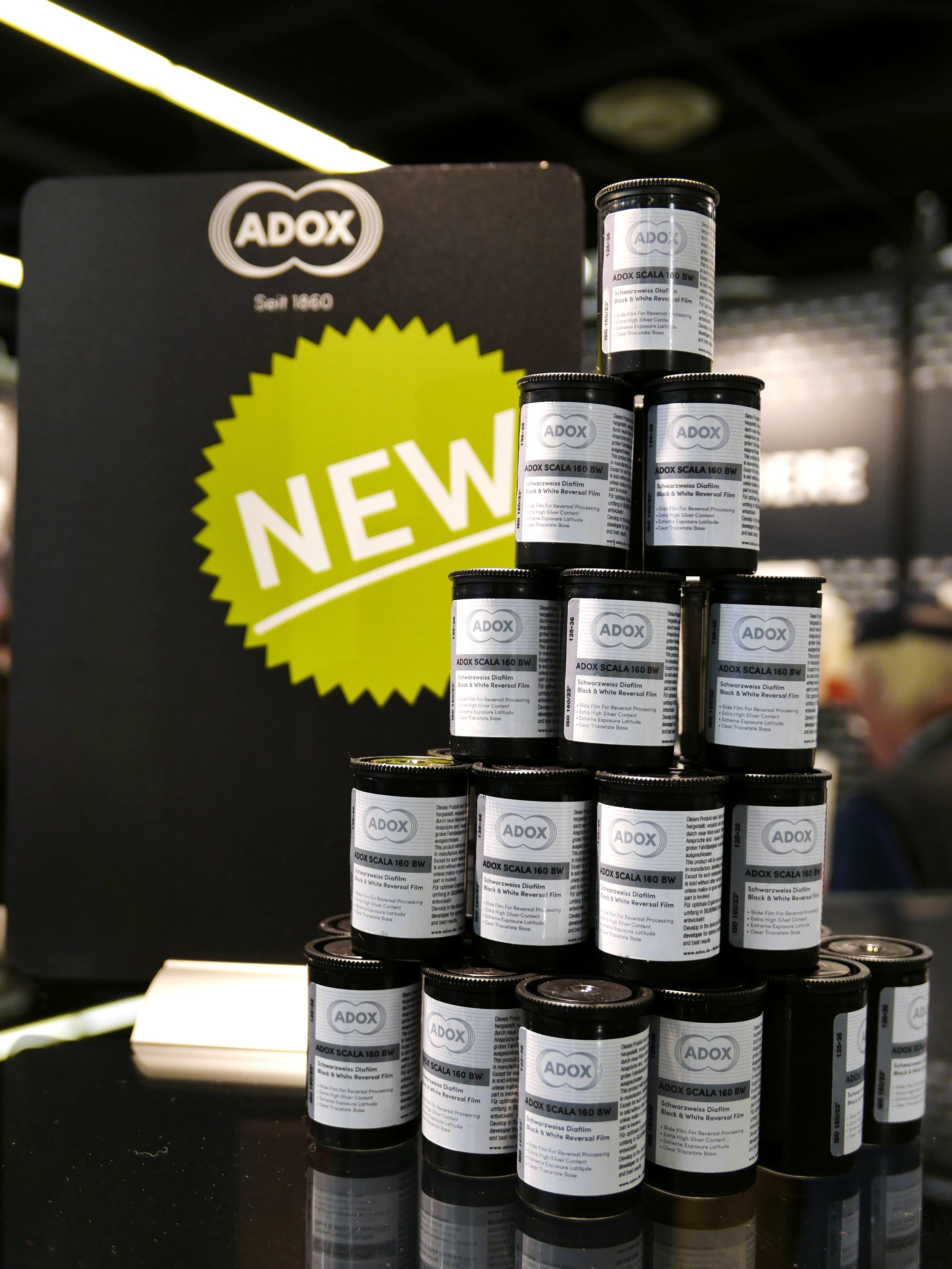 Adox-Display