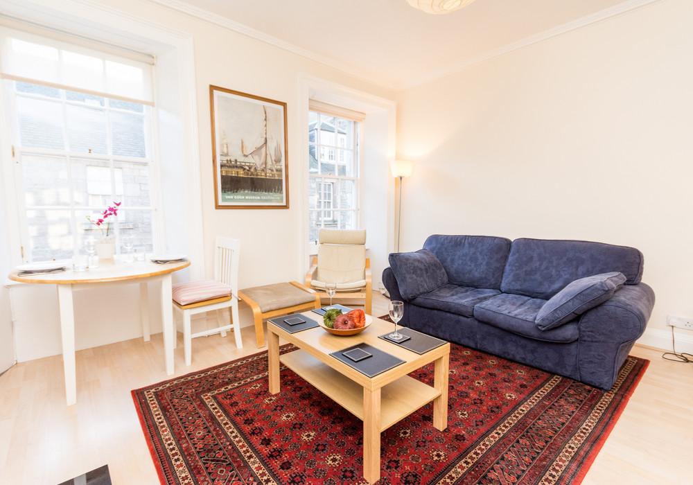 386259-thistle-street-1-bedroom-apartment-4.jpg
