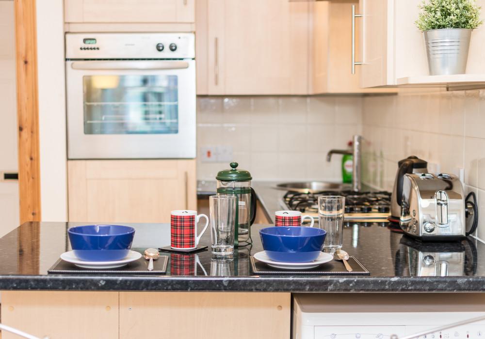 386264-thistle-street-1-bedroom-apartment-9.jpg
