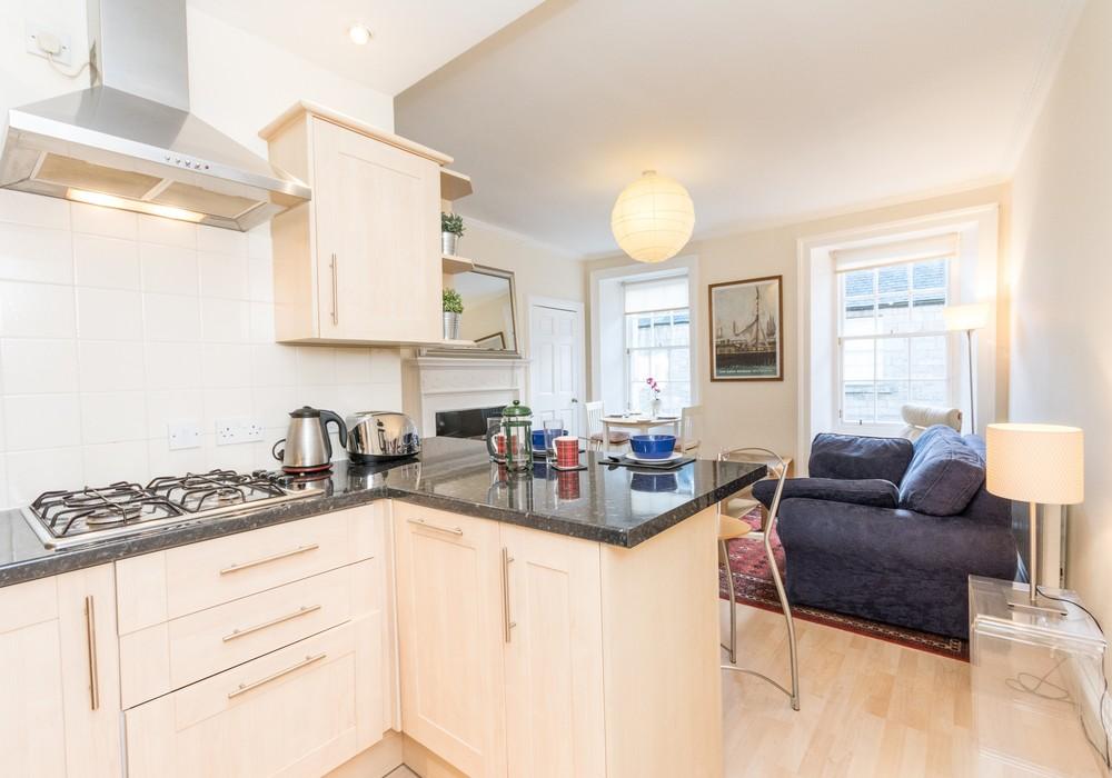 386266-thistle-street-1-bedroom-apartment-11.jpg