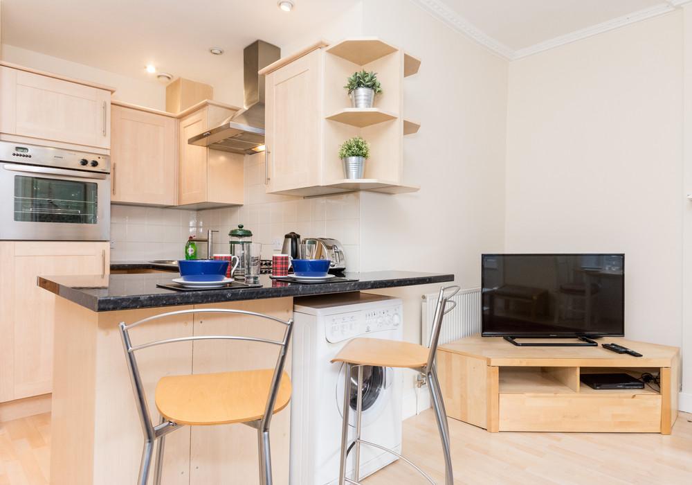 386267-thistle-street-1-bedroom-apartment-12.jpg
