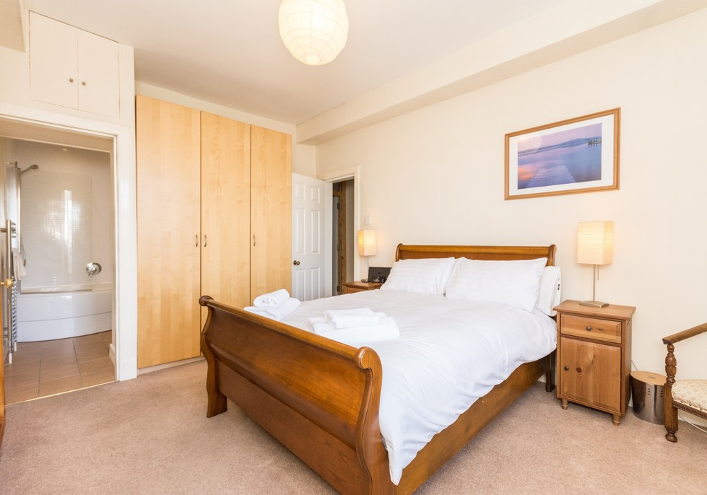 386271-thistle-street-1-bedroom-apartment-16.jpg