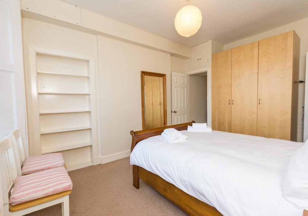 386269-thistle-street-1-bedroom-apartment-14.jpg