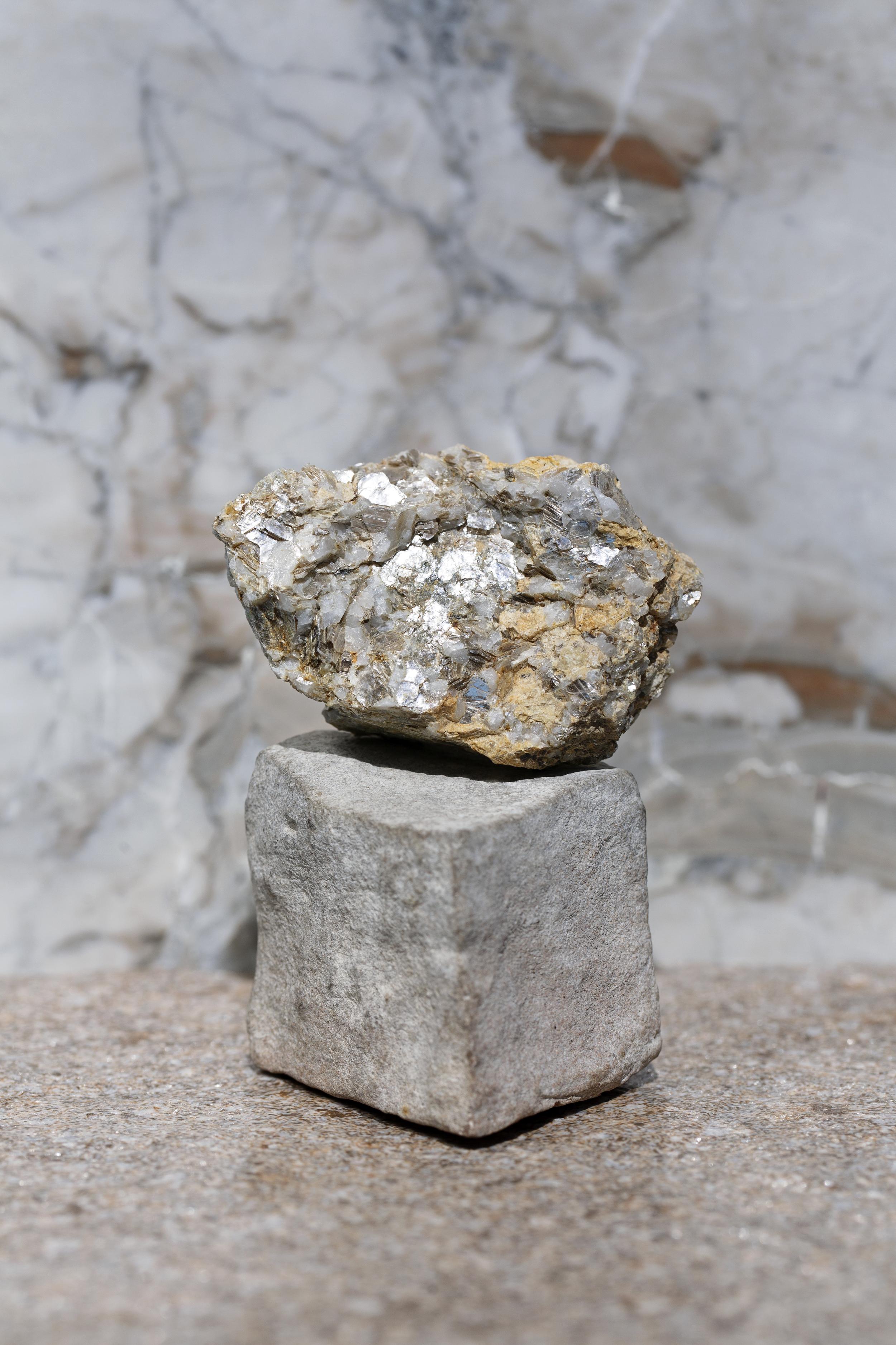 Moon Granite / Yes Design Studio / yesdesignstudio.com