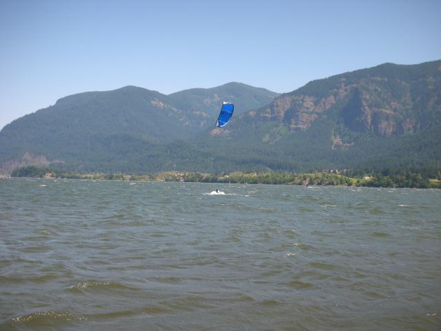 Kiteboarding in beautiful Stevenson, Washington, sandwiched between big basalt cliffs and waterfalls.