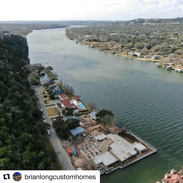 Repost courtesy of #brianlongcustomhomes nearing completion of the main foundation and motor court support beams at The Red Oak Project #laruearchitects #brianlongcustomhomes #brianlong #boardformedconcrete
