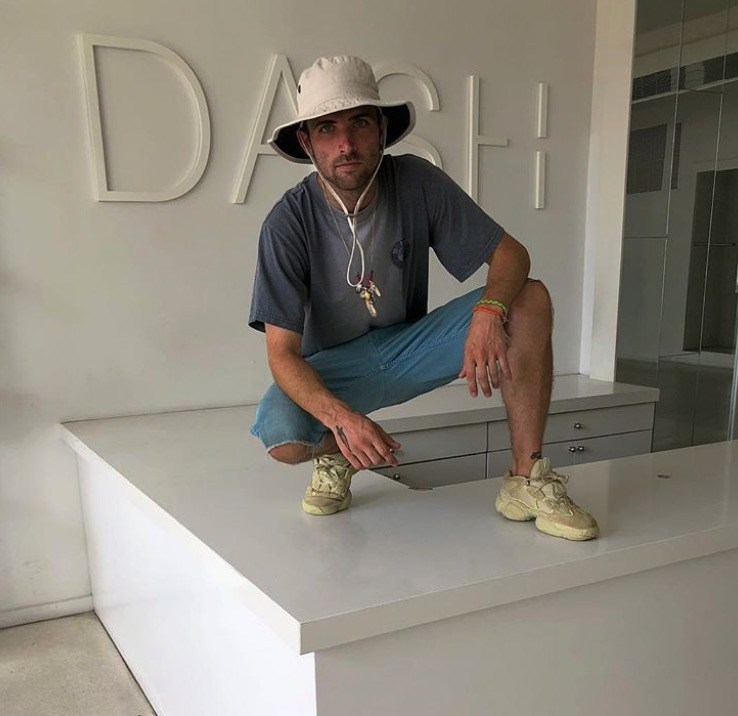 Wotherspoon wearing yeezys with no care in the world