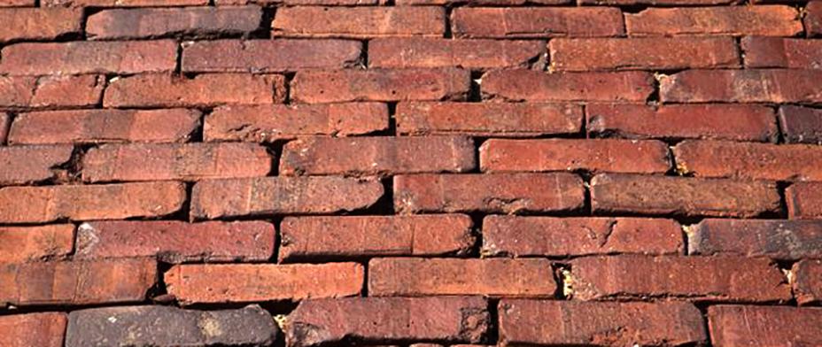 NOS 2011 artists going for a walk - Newburgh bricks.