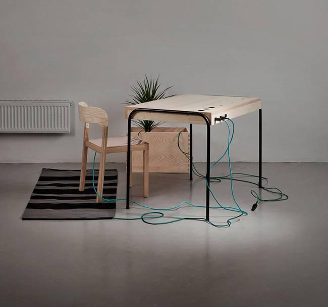 Eddi-Tornberg-Unplugged-desk-1.jpg.650x0_q70_crop-smart.jpg