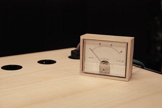 Eddi-Tornberg-Unplugged-desk-10.jpg
