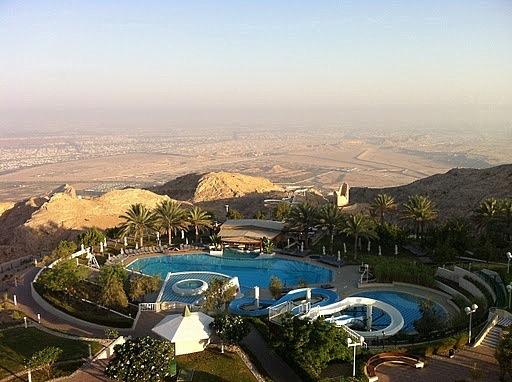 Al Ain hotel atop a dizzying hill