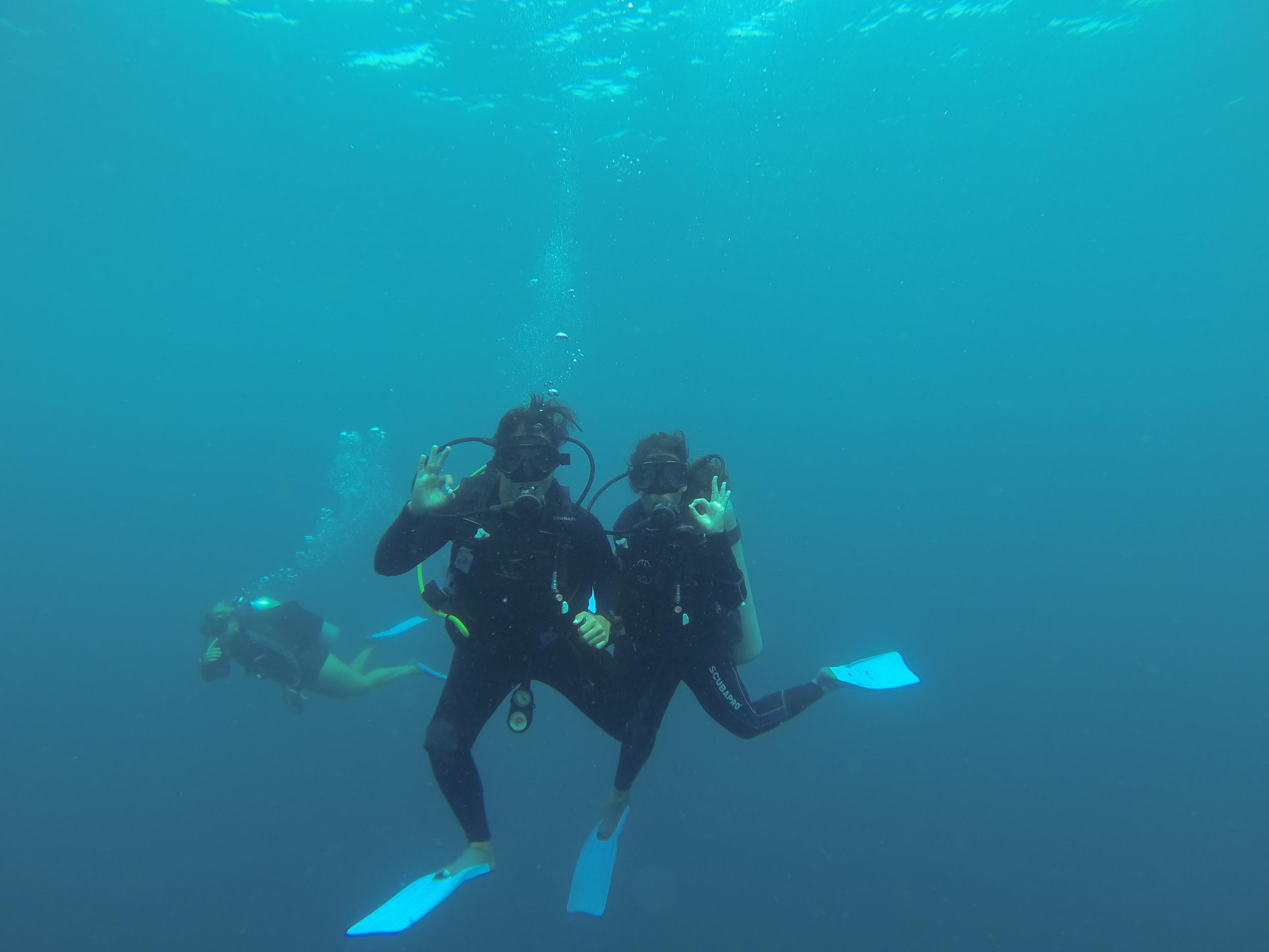 Água muito azul em Coiba e uma visibilidade incrível.