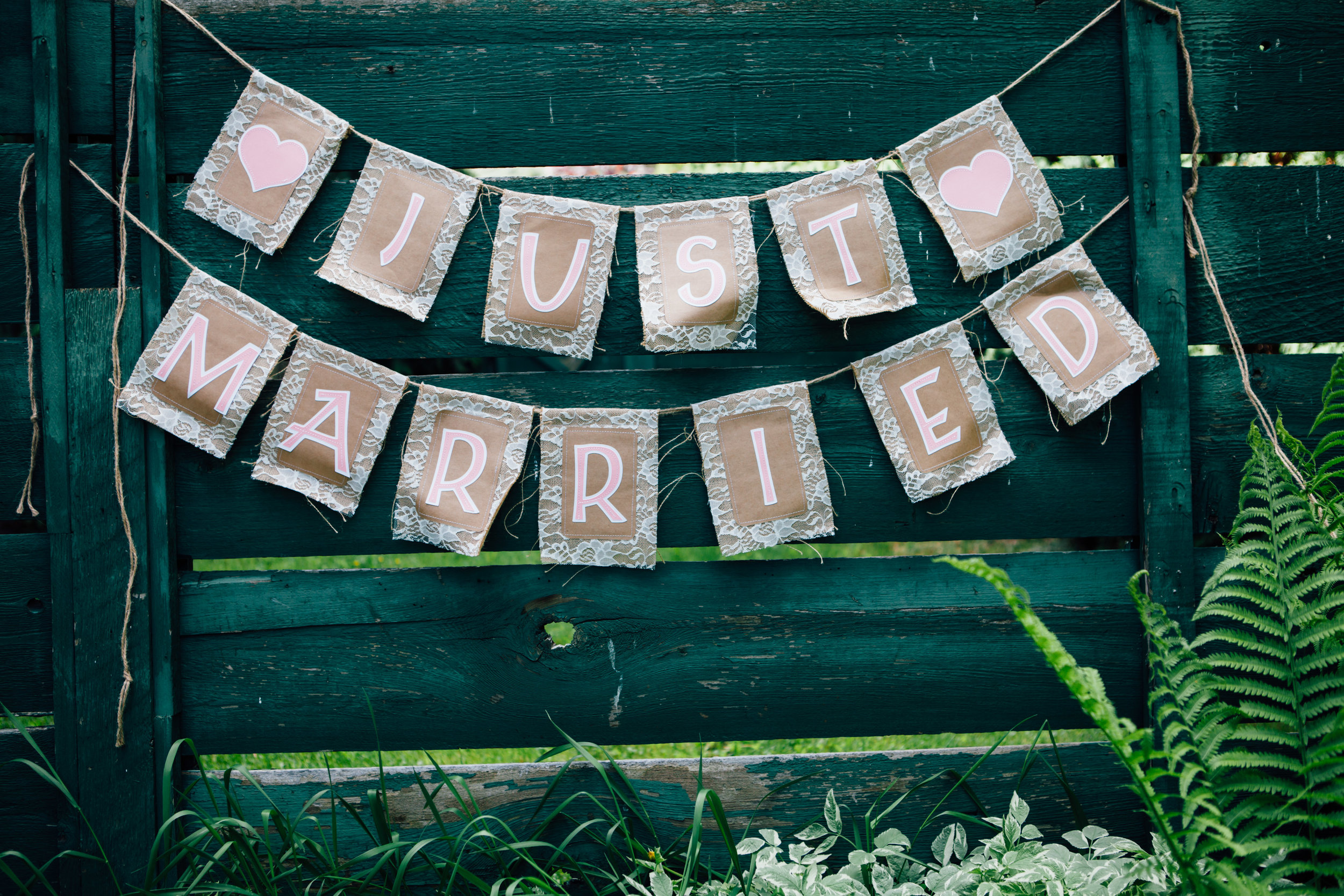 """""""Just Married"""" Burlap Sign"""