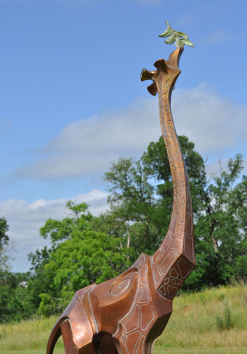Giraffe-Bronze-Sculpture-Monument-by-John-Maisano-5[1].jpg
