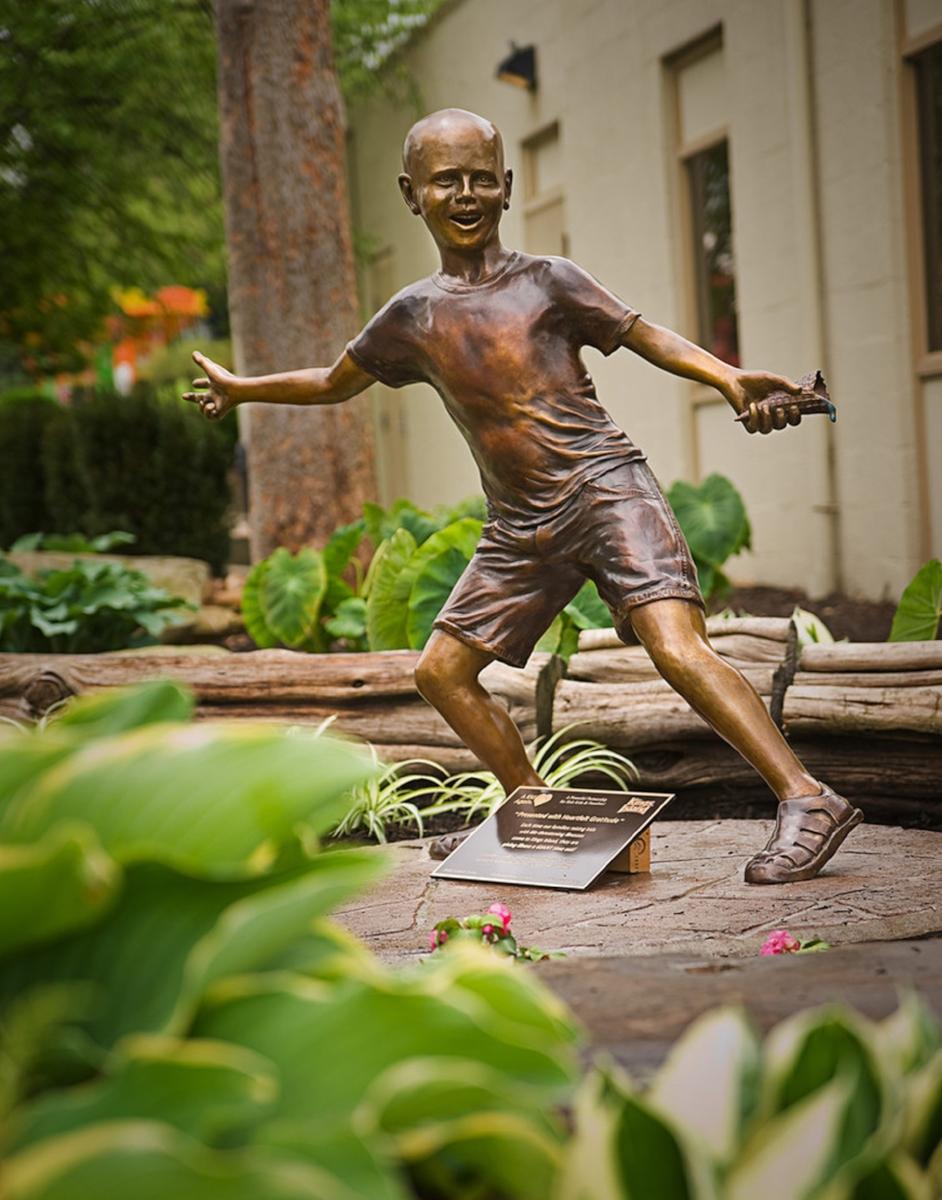 Image 15 - Gabriel sculpture at Kings Island.jpg