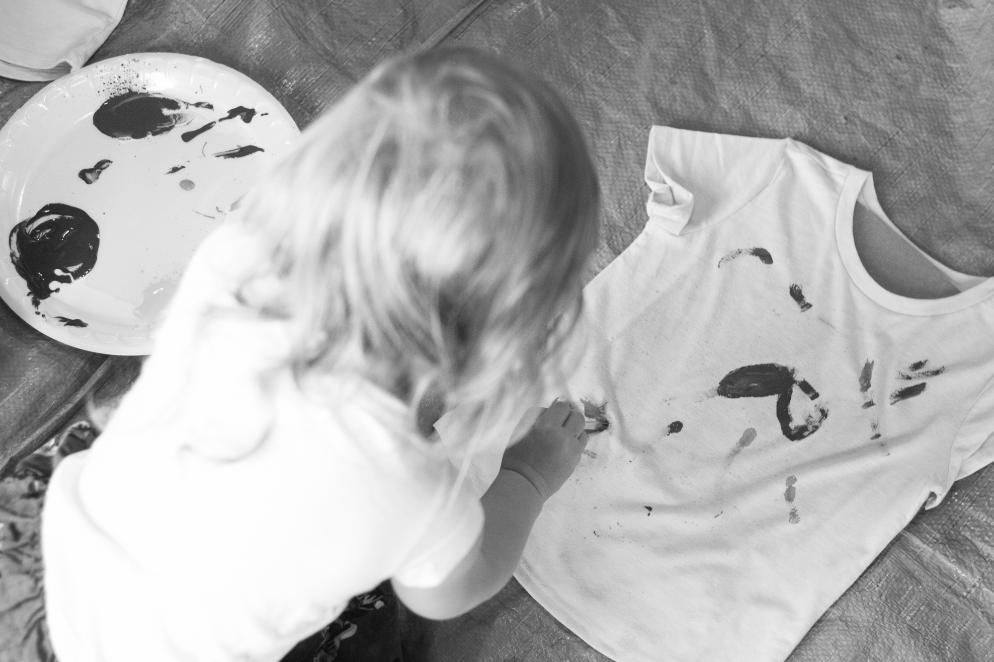 Stefanie's youngest daughter joins the apprentices in designing shirts.