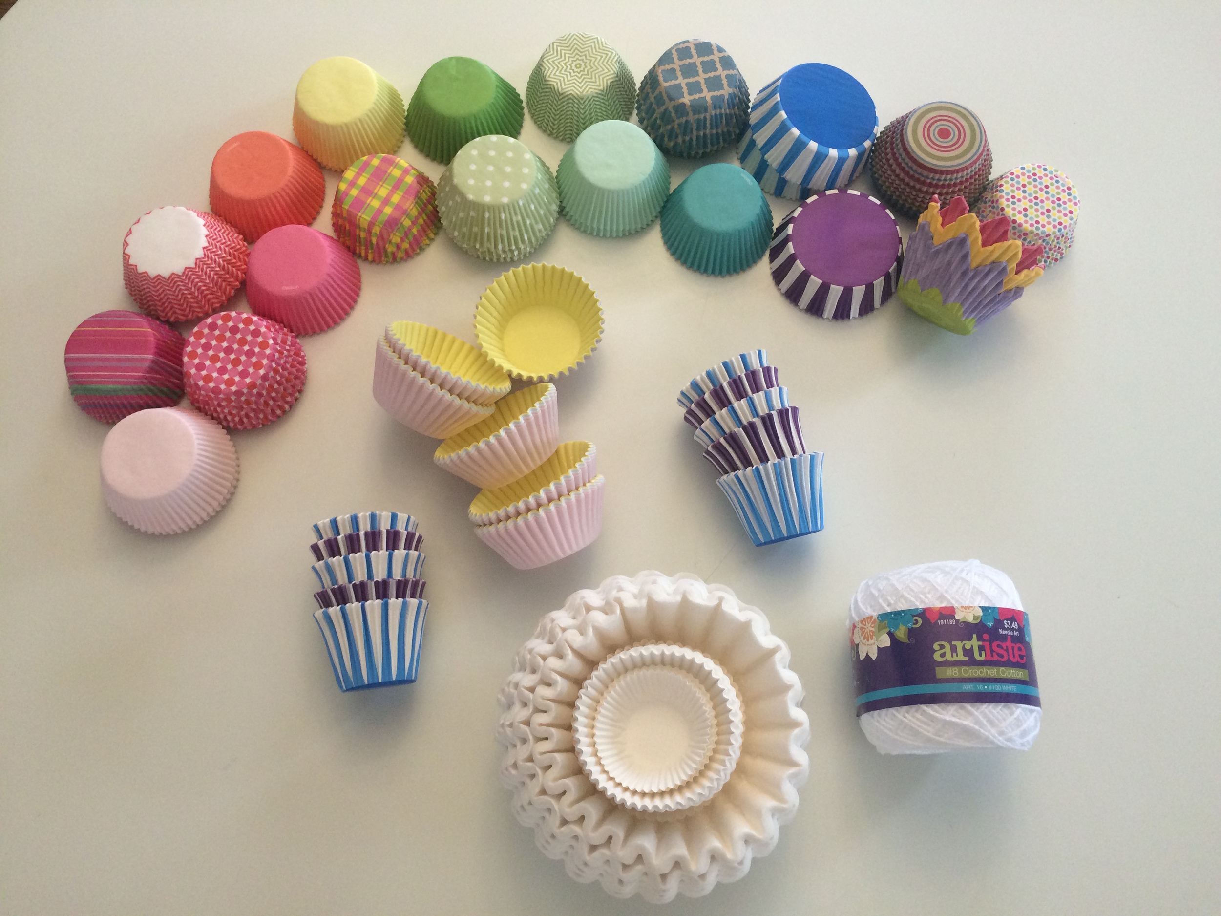 how to make a cupcake liner garland