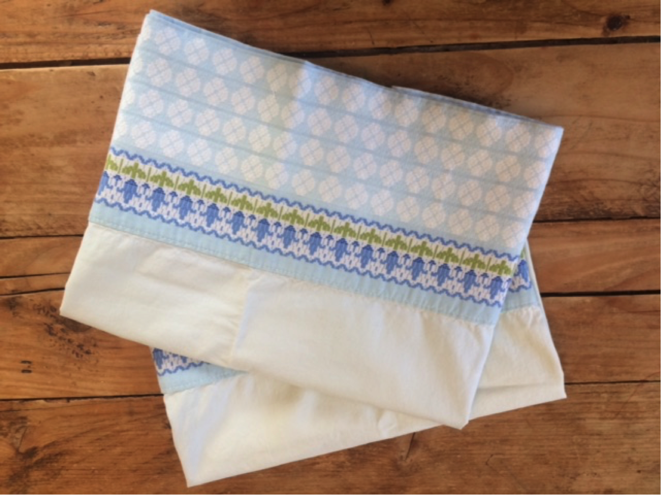 simple_sentimental_pillowcase_apron.jpeg