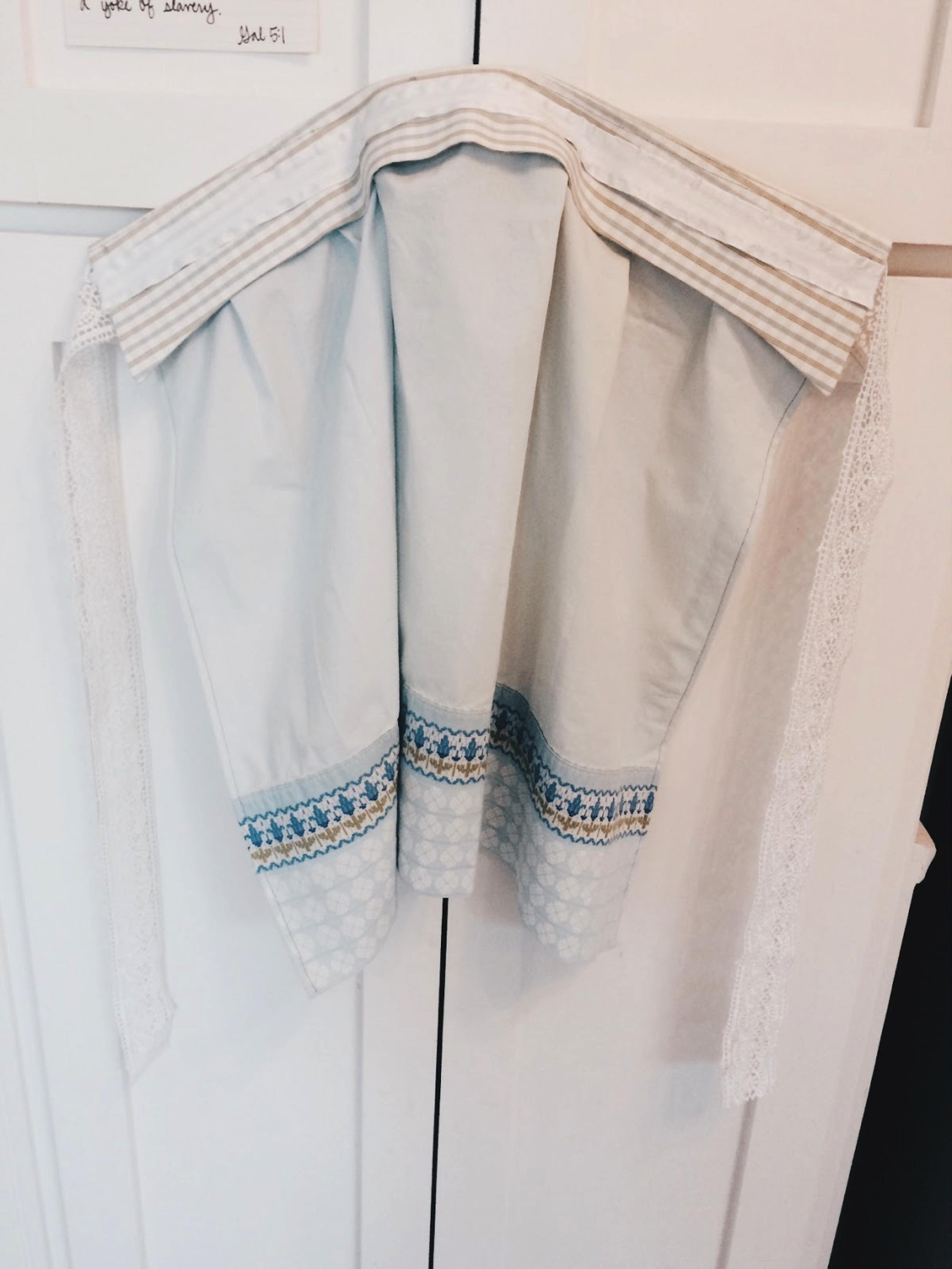 simple_sentimental_pillowcase_apron-6.jpeg