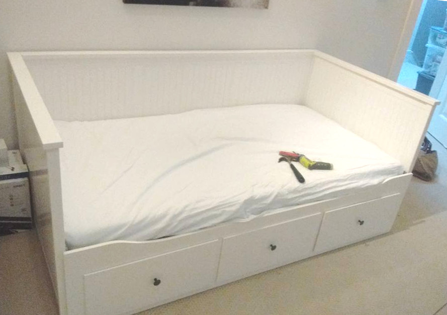 Ikea Hemnes Bedbank.Ikea S Most Complicated Item It S Not What You D Think Brown Box