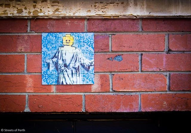 Spotted in Wolf Lane last week! 😄 Can anyone credit the artist? #streetsofperth #lego #legojesus #wolflane #perth #streetart #tile #perthstreetart