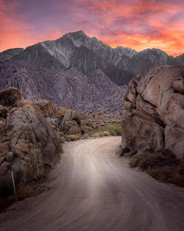 Anyone kinda wish this could be your driveway?⠀⠀⠀⠀⠀⠀⠀⠀⠀ 📸: @shrouda⠀⠀⠀⠀⠀⠀⠀⠀⠀ #adventure #rawcalifornia #california ⠀⠀⠀⠀⠀⠀⠀⠀⠀ #love #wilderness #drive